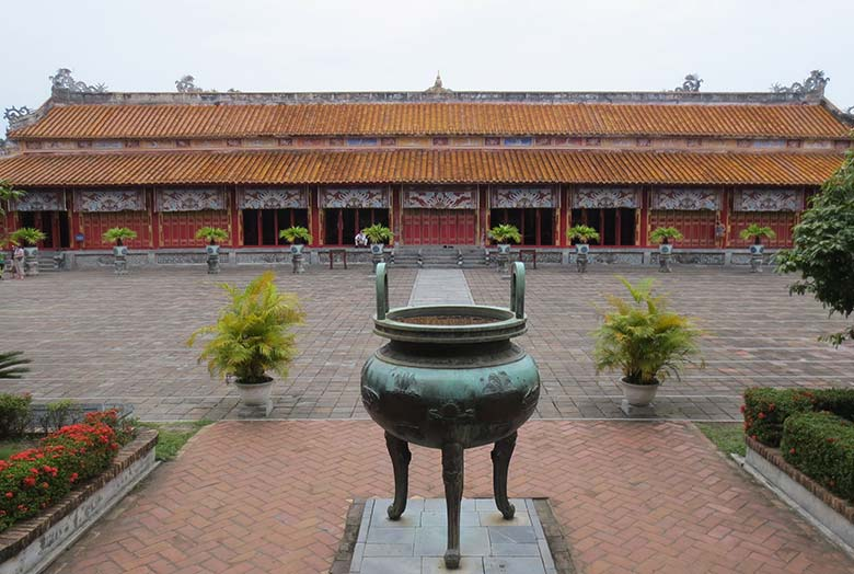 HUE CITY HALF DAY TOUR